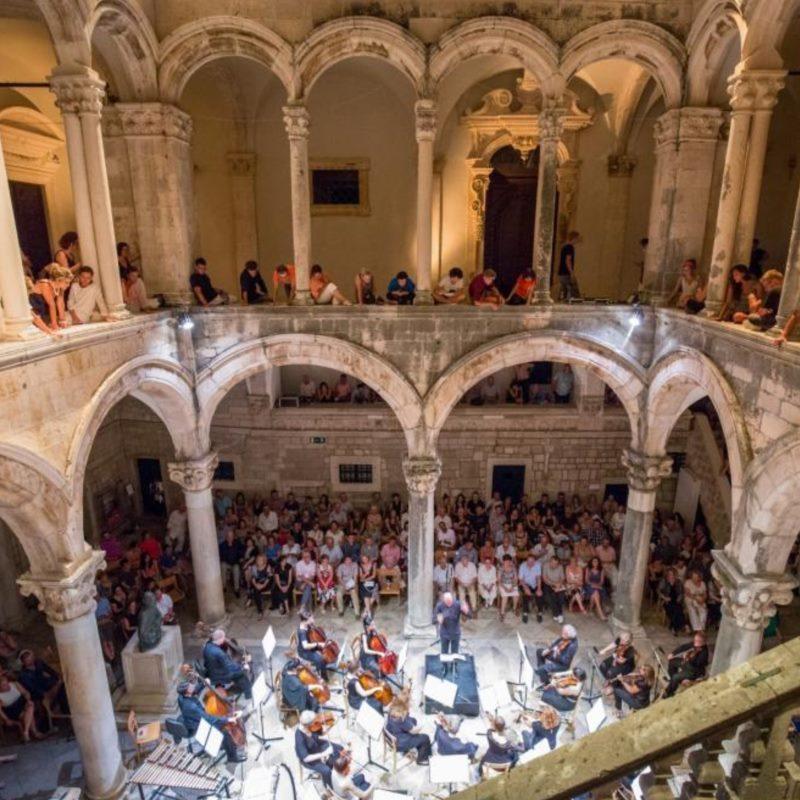 Koncert - Dubrovački simfonijski orkestar | Tibor Bogányi, dirigent | Marin Maras, violina