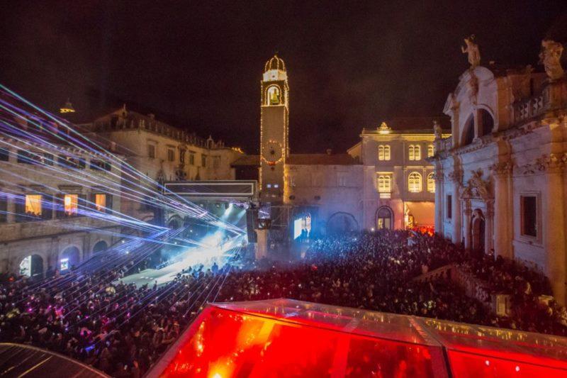Doček Nove godine - Nina Badrić i Toni Cetinski
