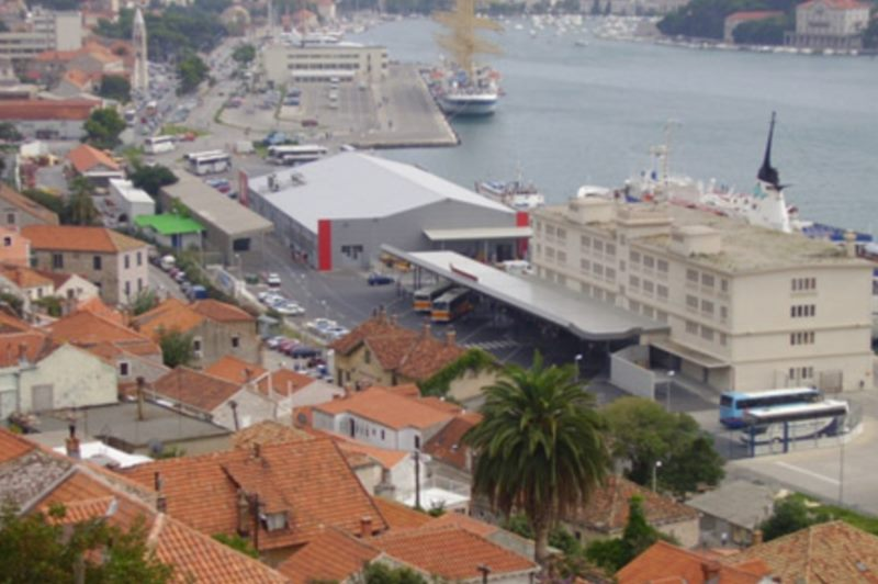 Parkplatz am Hafen Gruž