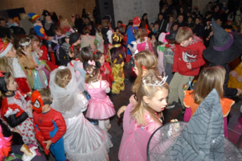 Costume parade of Dubrovnik preschools from Brsalje to Stradun