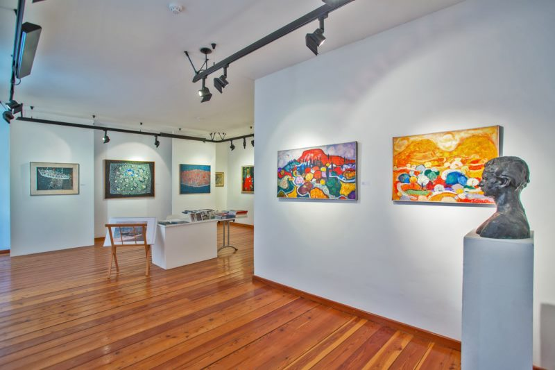 Exhibition of paintings by Ivo Mladošić