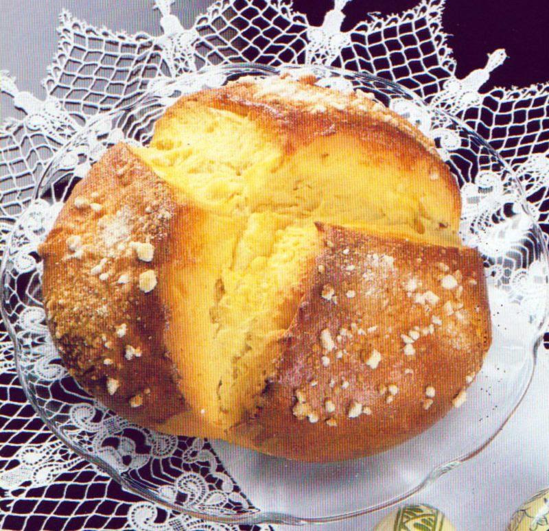 Pinca Easter cake