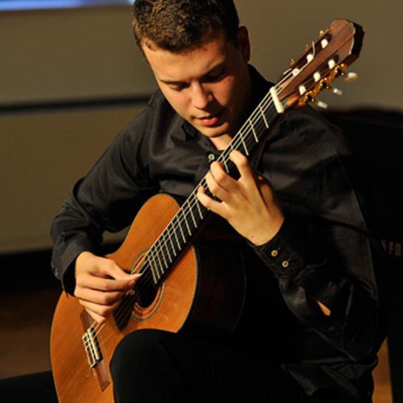 Concert - SRĐAN BULAT, guitar