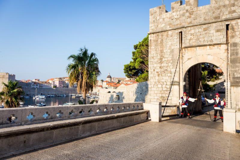 Puerta de Ploče