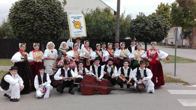 On Neretva Moonlight Fell Parade