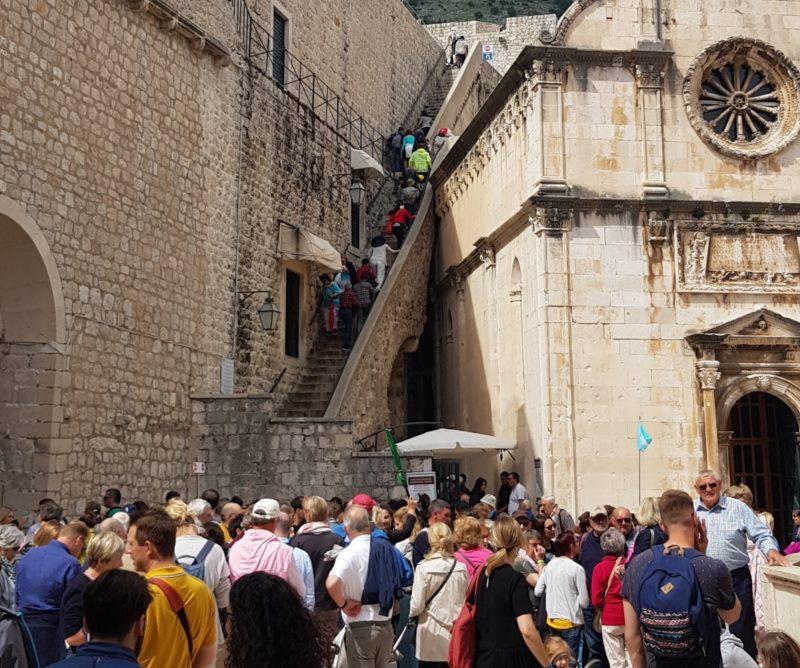 L'entrée principale de la visite des remparts de la ville