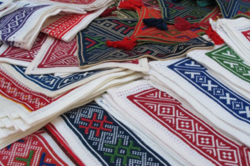 コナヴレ刺繍